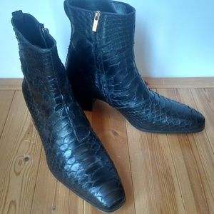64ccd84a7d00 Yves Saint Laurent Shoes - Men s YVES SAINT LAURENT Python Jonny Boots EU 45